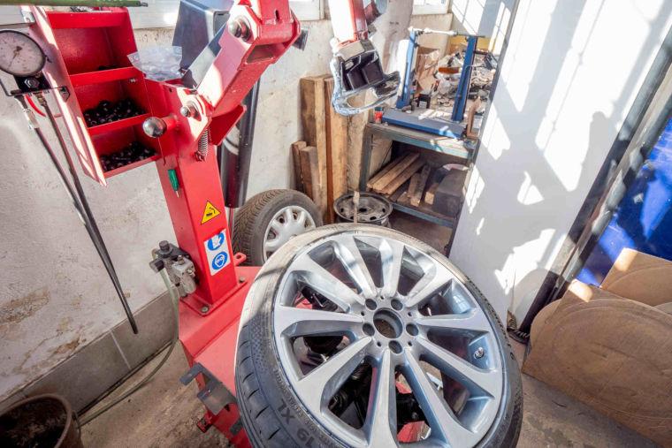 Reifen in der Autowerkstatt HL Motorsport in Kaufbeuren
