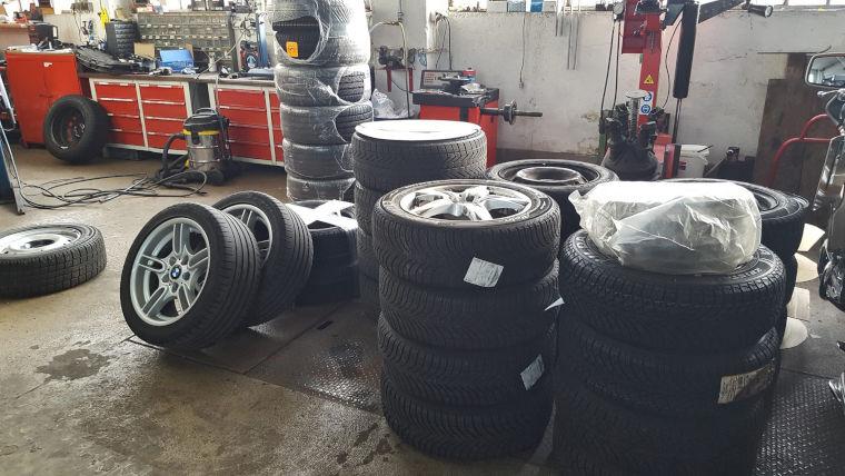 Reifenweches bei der Autowerkstatt HL Motorsport in Kaufbeuren